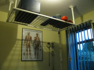 Die Behandlungsräume mit Schlingentisch, Rotlichtstrahler, modernen Behandlungsliegen, Elektro-und Ultraschalltherapiegeräten und einiges mehr.